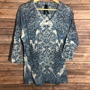Seven7 Jeans White Blue Printed Design Top Large
